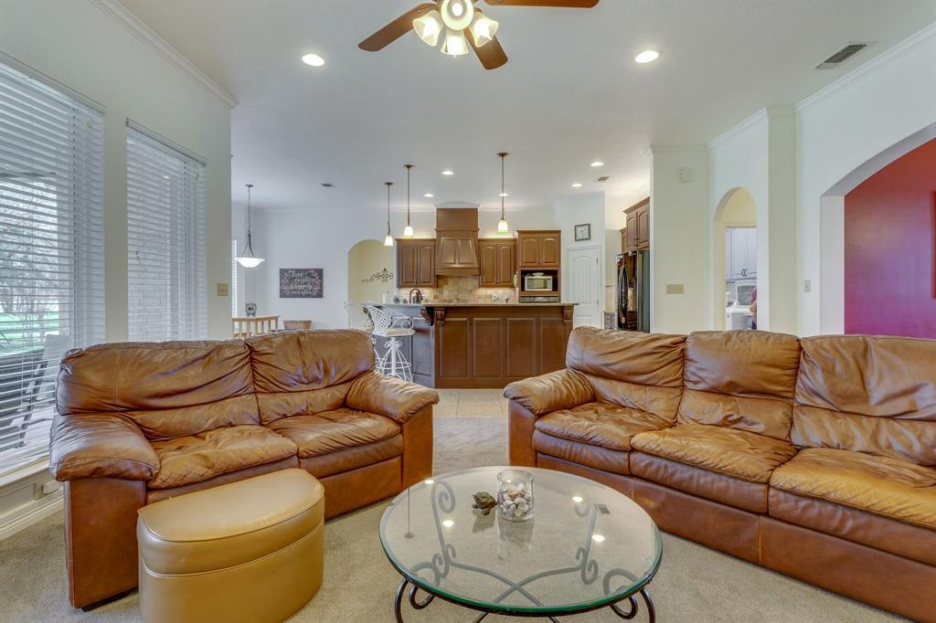 1809 Rockview  Drive, Granbury, Texas 76049 - acquisto real estate best celina realtor logan lawrence best dressed realtor