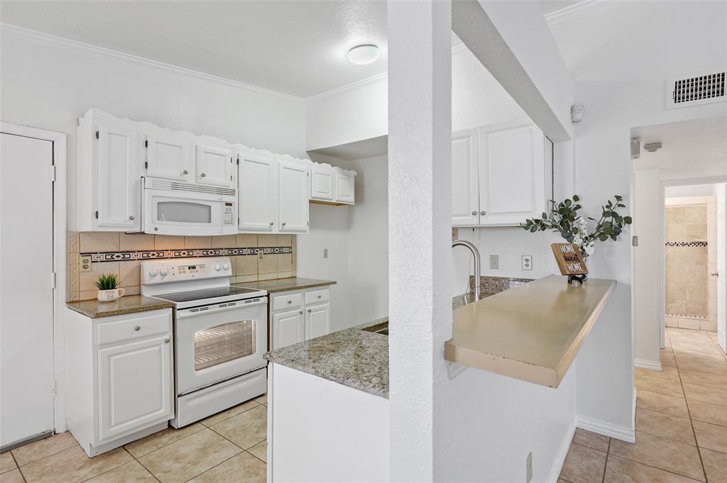 9420 Kerrville  Street, Dallas, Texas 75227 - acquisto real estate best prosper realtor susan cancemi windfarms realtor