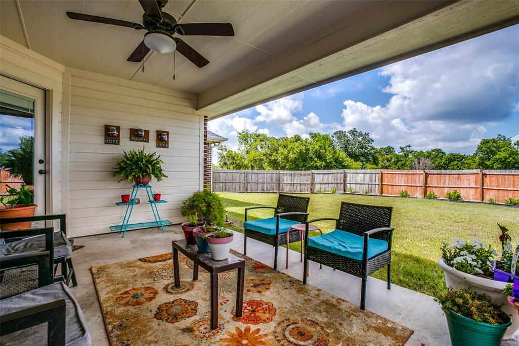 201 Palmer View  Drive, Palmer, Texas 75152 - acquisto real estate best realtor foreclosure real estate mike shepeherd walnut grove realtor