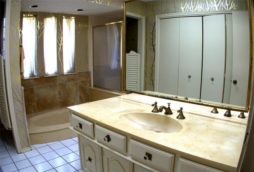 9926 Chimney Hill  Lane, Dallas, Texas 75243 - acquisto real estate best highland park realtor amy gasperini fast real estate service