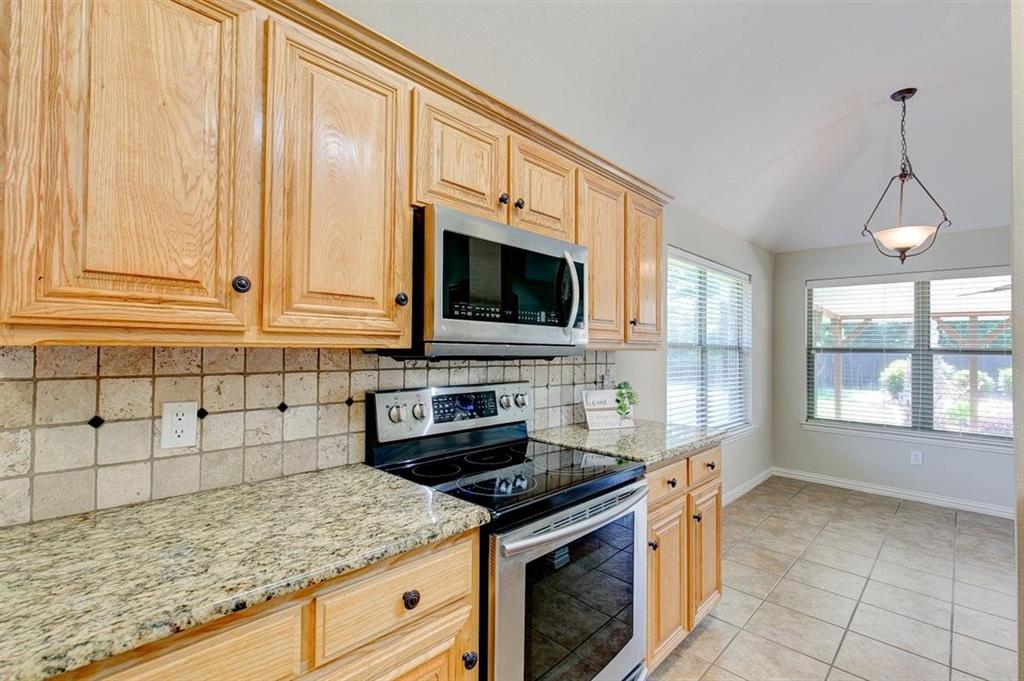 4407 Cluster Oak  Court, Granbury, Texas 76049 - acquisto real estaet best boutique real estate firm in texas for high net worth sellers