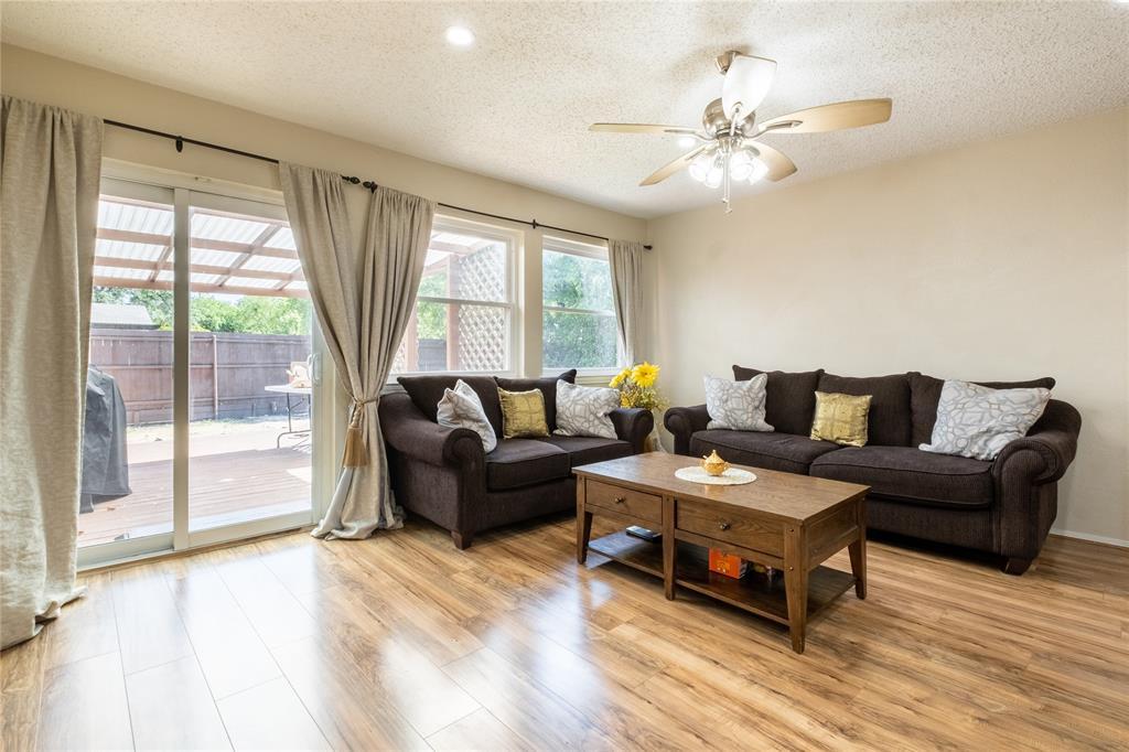 2718 Ivanridge  Lane, Garland, Texas 75044 - acquisto real estate best highland park realtor amy gasperini fast real estate service