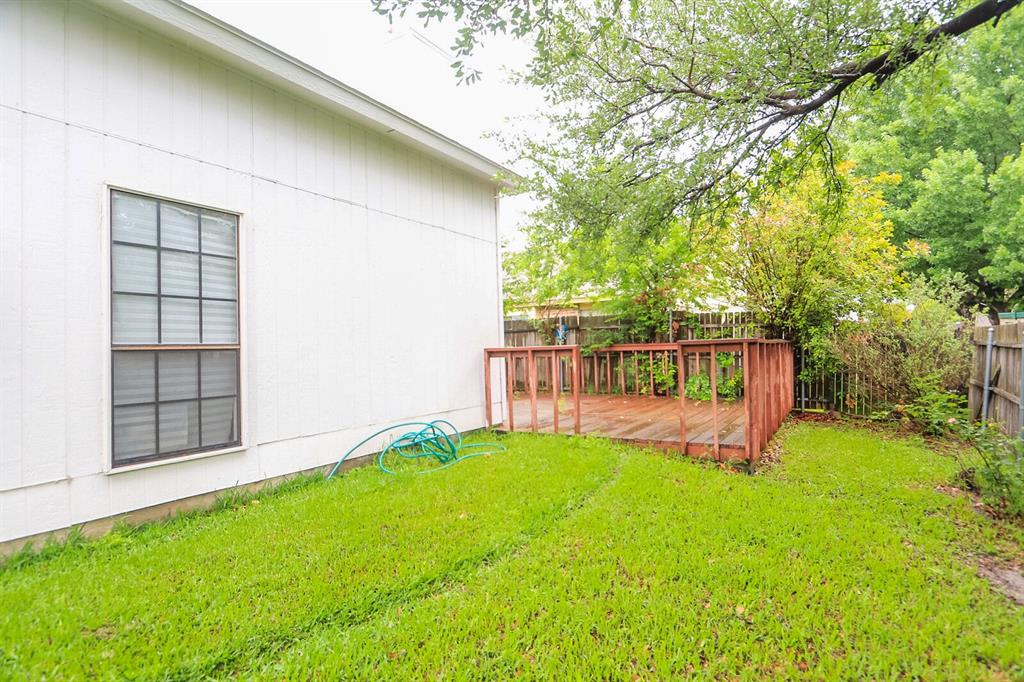 5307 Barberry  Drive, Arlington, Texas 76018 - acquisto real estate best realtor dfw jody daley liberty high school realtor