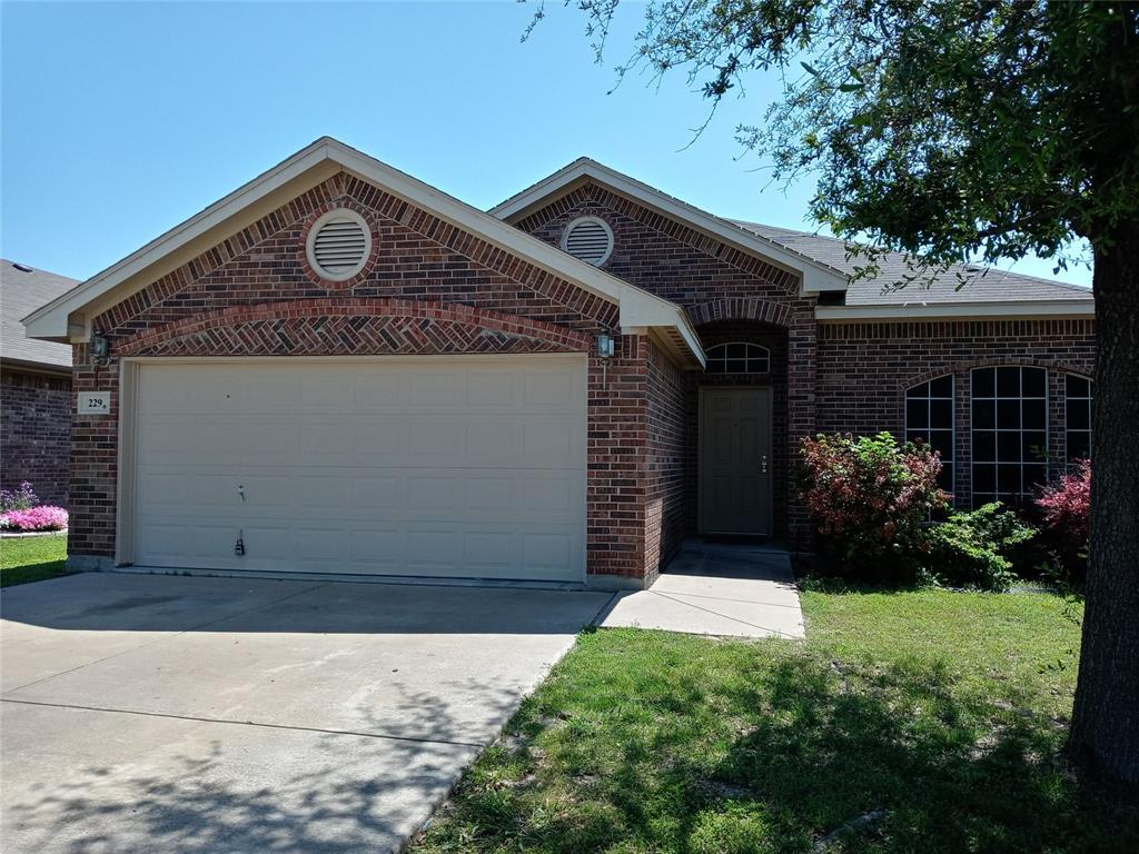 229 Creekside  Drive, Saginaw, Texas 76131 - Acquisto Real Estate best plano realtor mike Shepherd home owners association expert