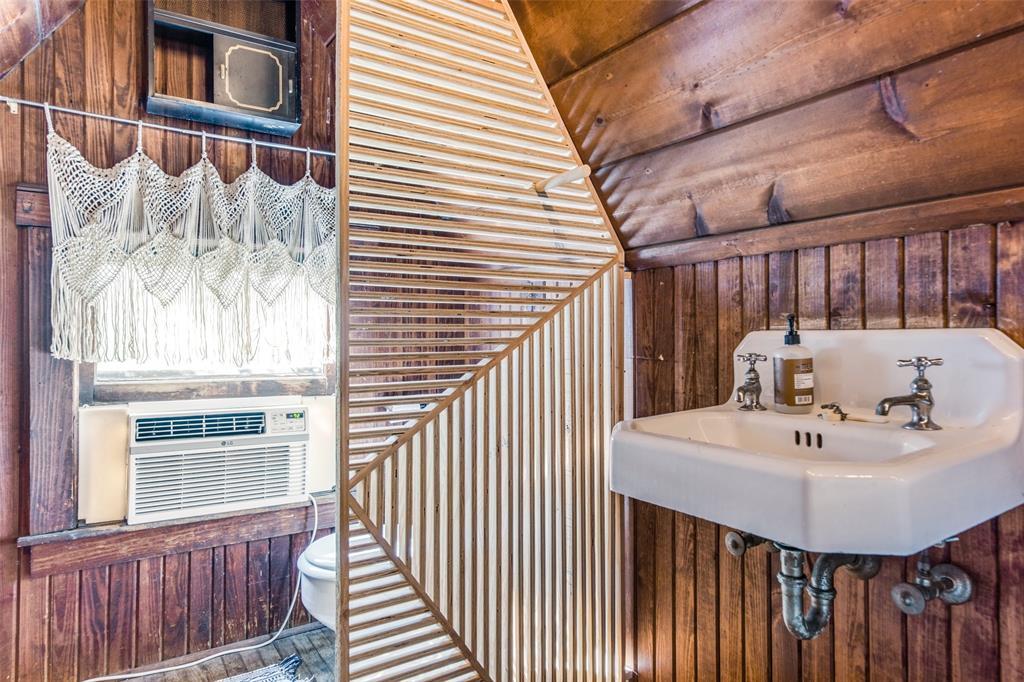 2419 Grigsby  Avenue, Dallas, Texas 75204 - acquisto real estate best designer and realtor hannah ewing kind realtor