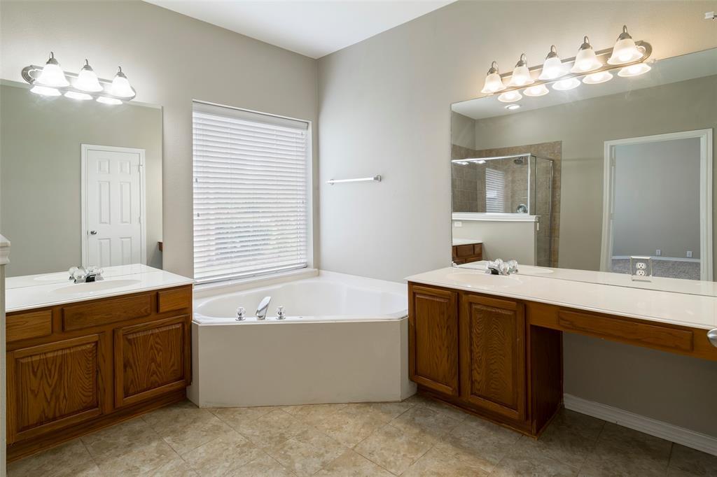 7561 Ravenhill  Drive, Frisco, Texas 75035 - acquisto real estate best designer and realtor hannah ewing kind realtor