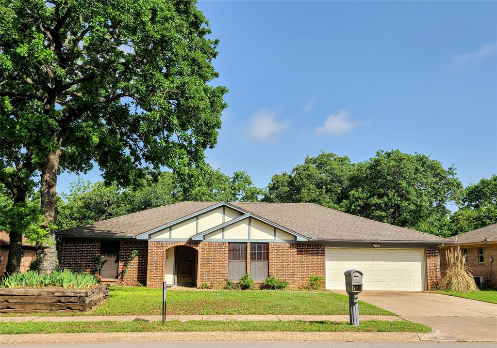 8117 Starnes  Road, North Richland Hills, Texas 76182 - acquisto real estate best realtor dfw jody daley liberty high school realtor