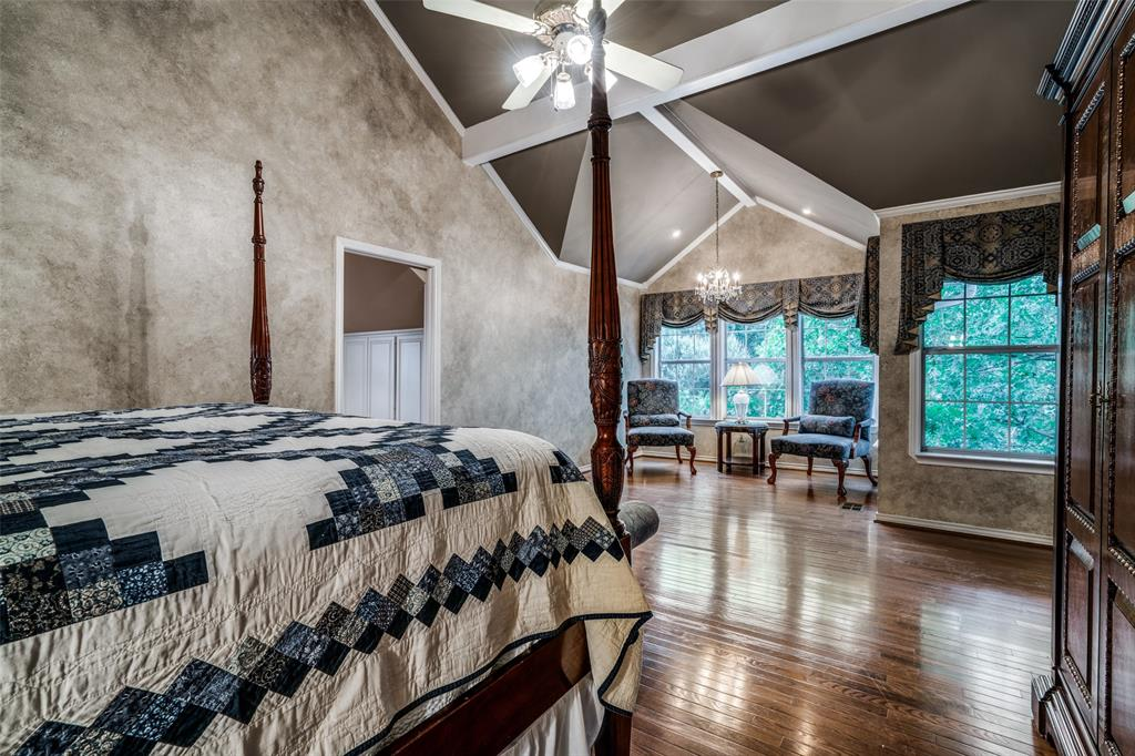 2209 Creekside  Circle, Irving, Texas 75063 - acquisto real estate best photos for luxury listings amy gasperini quick sale real estate