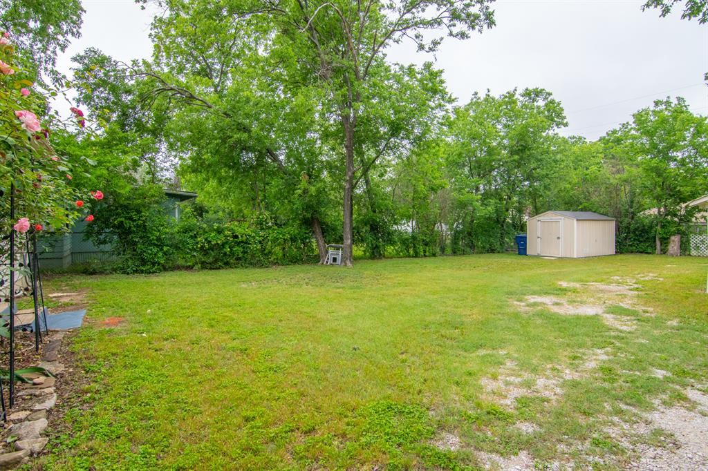 2512 Austin  Avenue, Brownwood, Texas 76801 - acquisto real estate best highland park realtor amy gasperini fast real estate service
