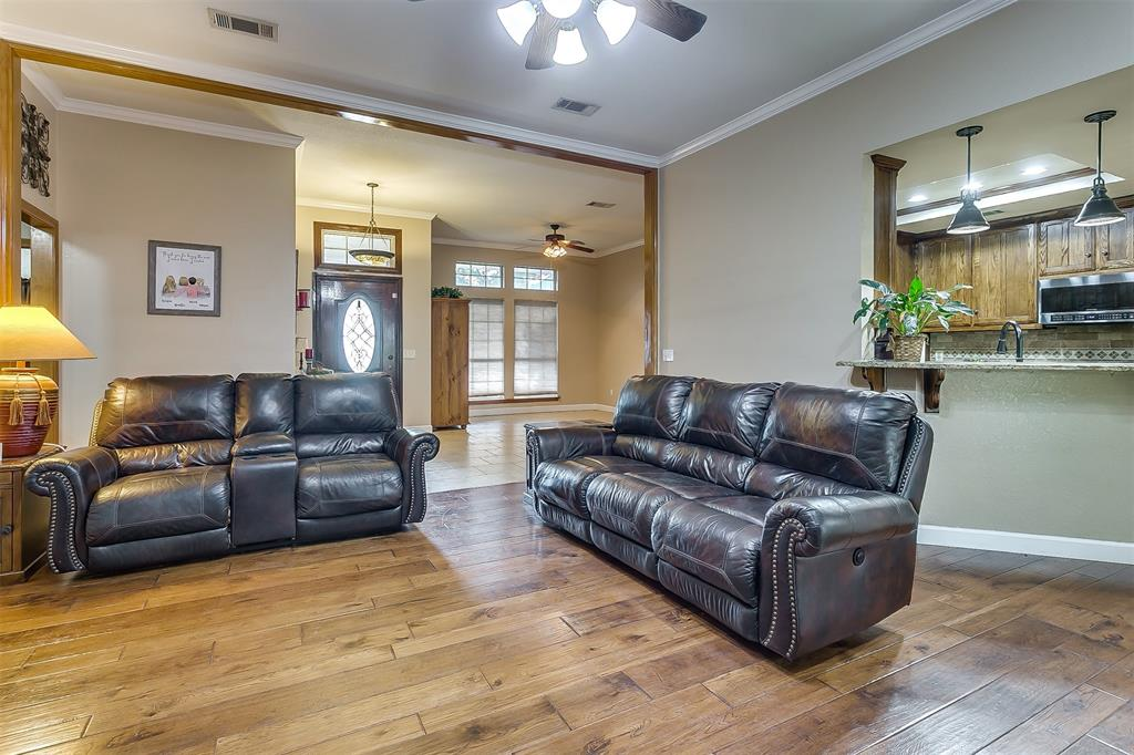 532 Forest Edge  Street, Burleson, Texas 76028 - acquisto real estate best style realtor kim miller best real estate reviews dfw