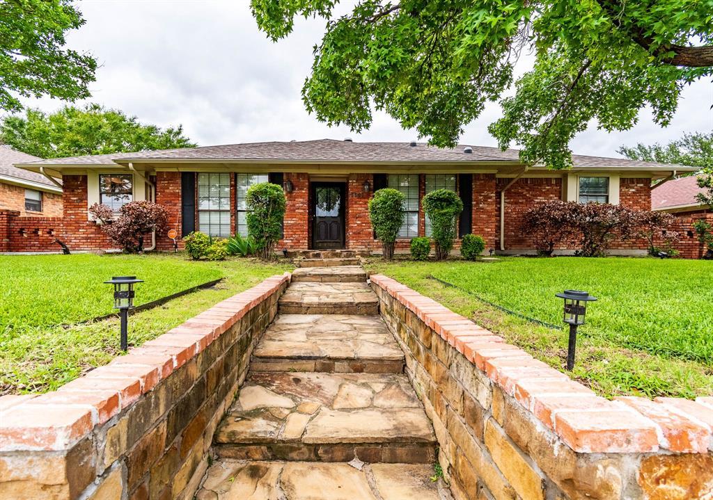1949 Kentwood  Lane, Carrollton, Texas 75007 - Acquisto Real Estate best plano realtor mike Shepherd home owners association expert
