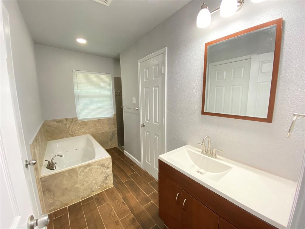 729 Pemberton  Drive, White Settlement, Texas 76108 - acquisto real estate best new home sales realtor linda miller executor real estate