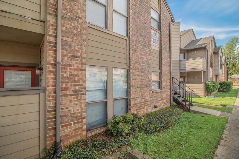 1614 Pecan Chase  Circle, Arlington, Texas 76012 - Acquisto Real Estate best frisco realtor Amy Gasperini 1031 exchange expert