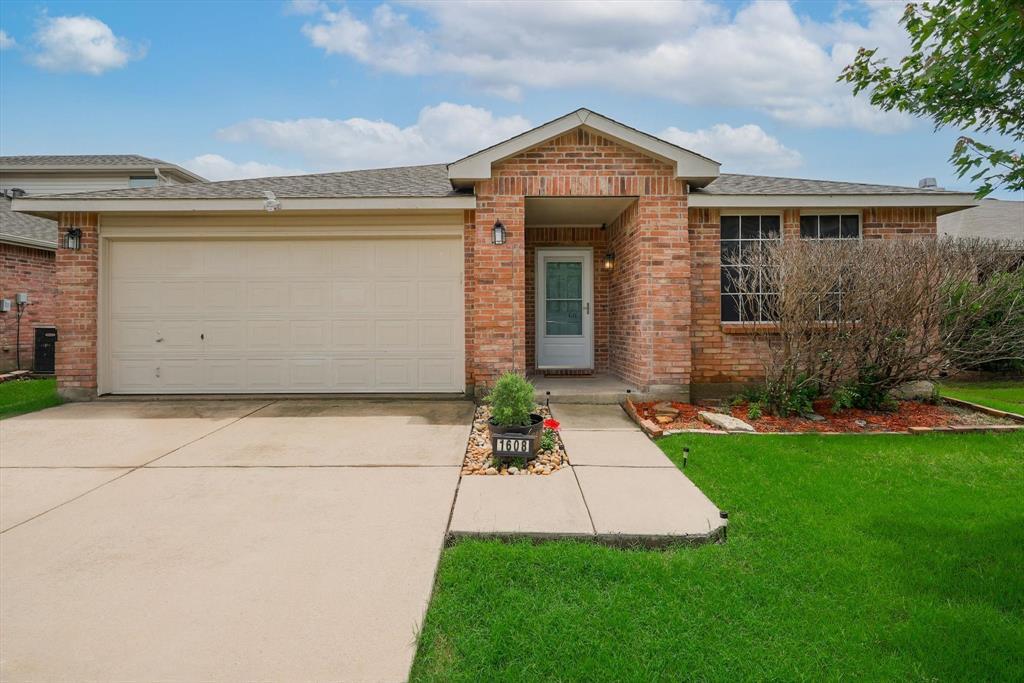1608 Carolina Ridge  Way, Fort Worth, Texas 76247 - Acquisto Real Estate best frisco realtor Amy Gasperini 1031 exchange expert