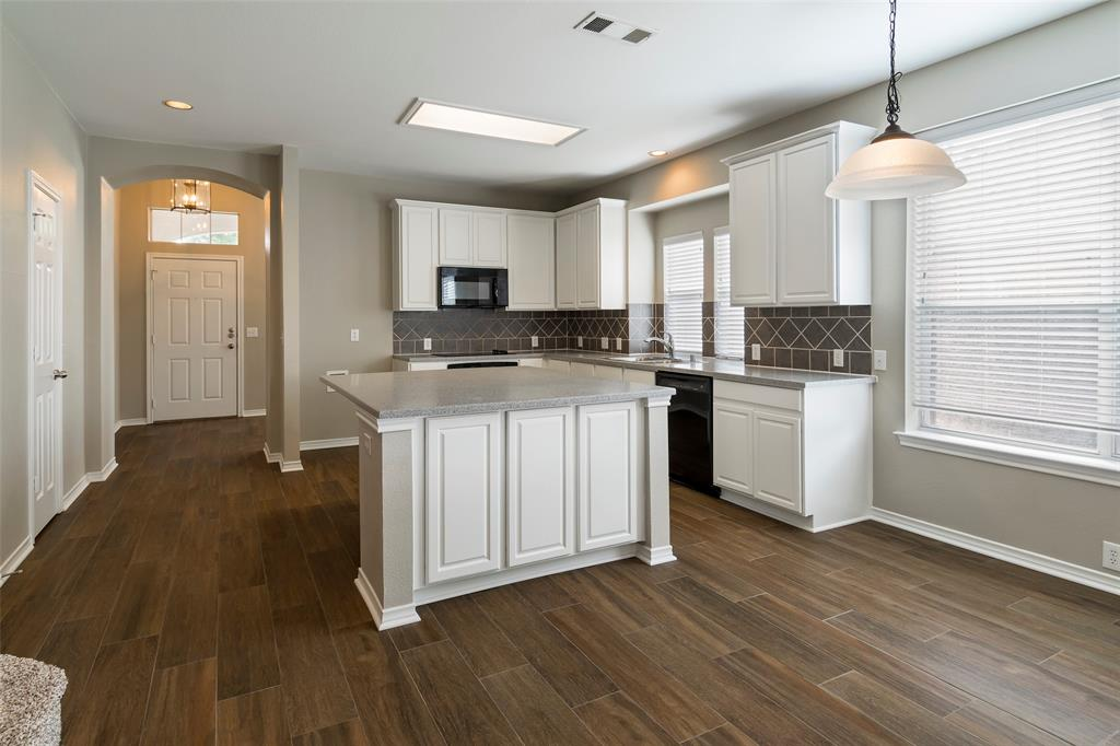 7561 Ravenhill  Drive, Frisco, Texas 75035 - acquisto real estate best real estate company to work for