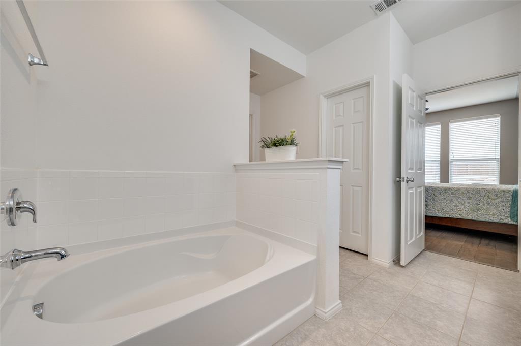 1708 Settlement  Way, Aubrey, Texas 76227 - acquisto real estate best designer and realtor hannah ewing kind realtor