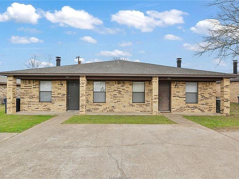 709 San Benito  College Station, Texas 77845 - Acquisto Real Estate best plano realtor mike Shepherd home owners association expert
