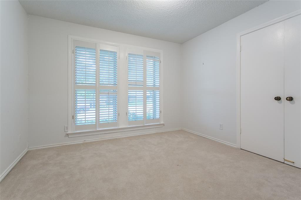 8046 Moss Meadows  Drive, Dallas, Texas 75231 - acquisto real estate best realtor dallas texas linda miller agent for cultural buyers