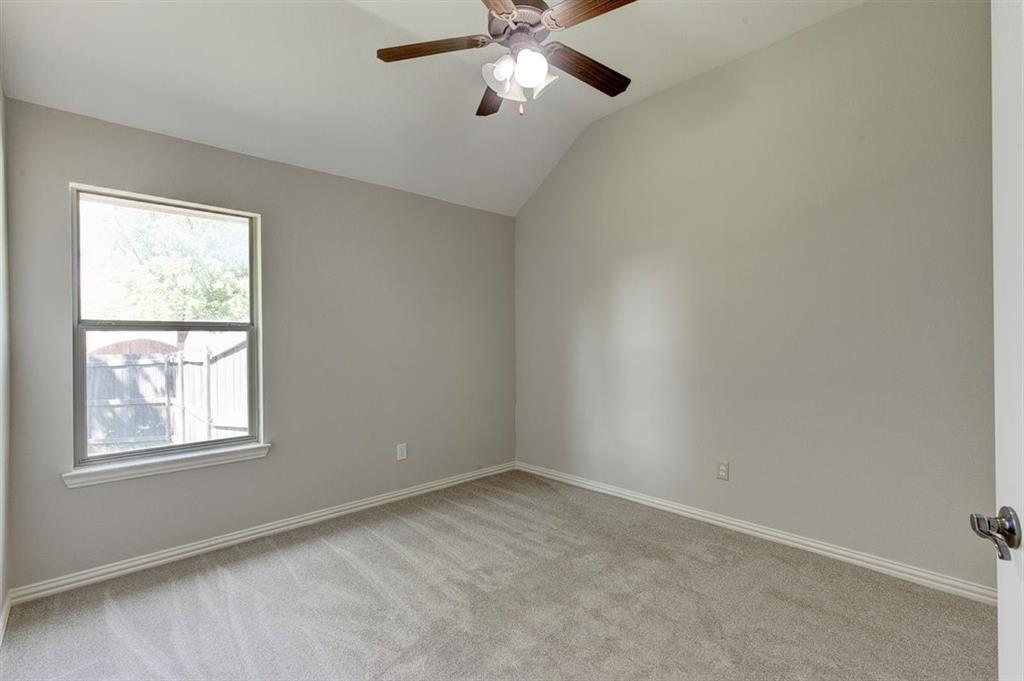 4407 Cluster Oak  Court, Granbury, Texas 76049 - acquisto real estate best realtor foreclosure real estate mike shepeherd walnut grove realtor