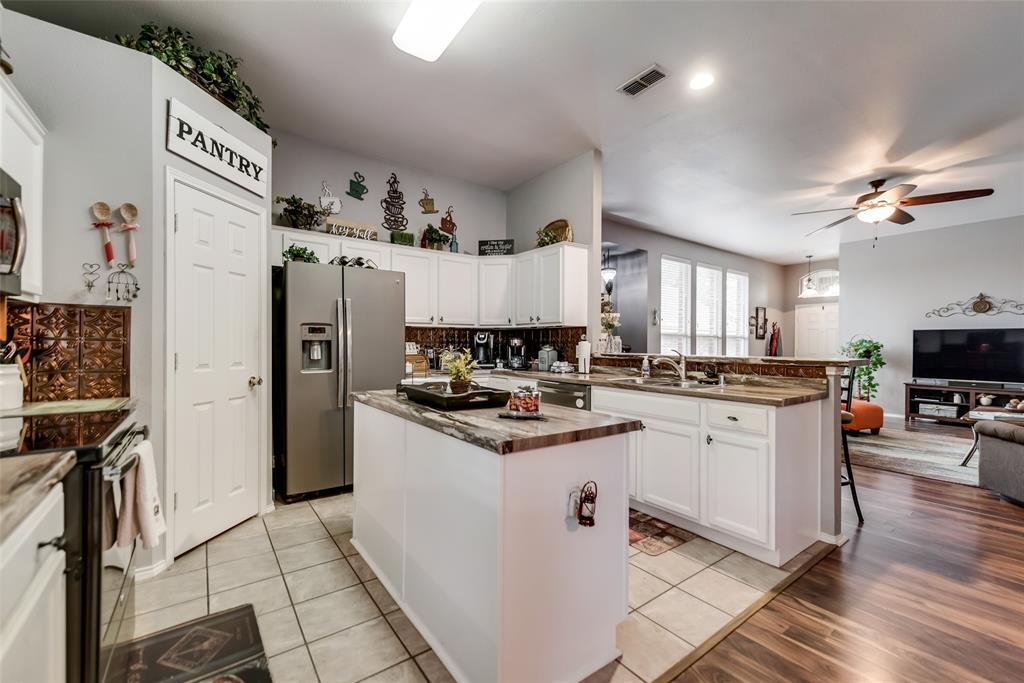 2612 Hilcroft  Avenue, Denton, Texas 76210 - acquisto real estate best photos for luxury listings amy gasperini quick sale real estate