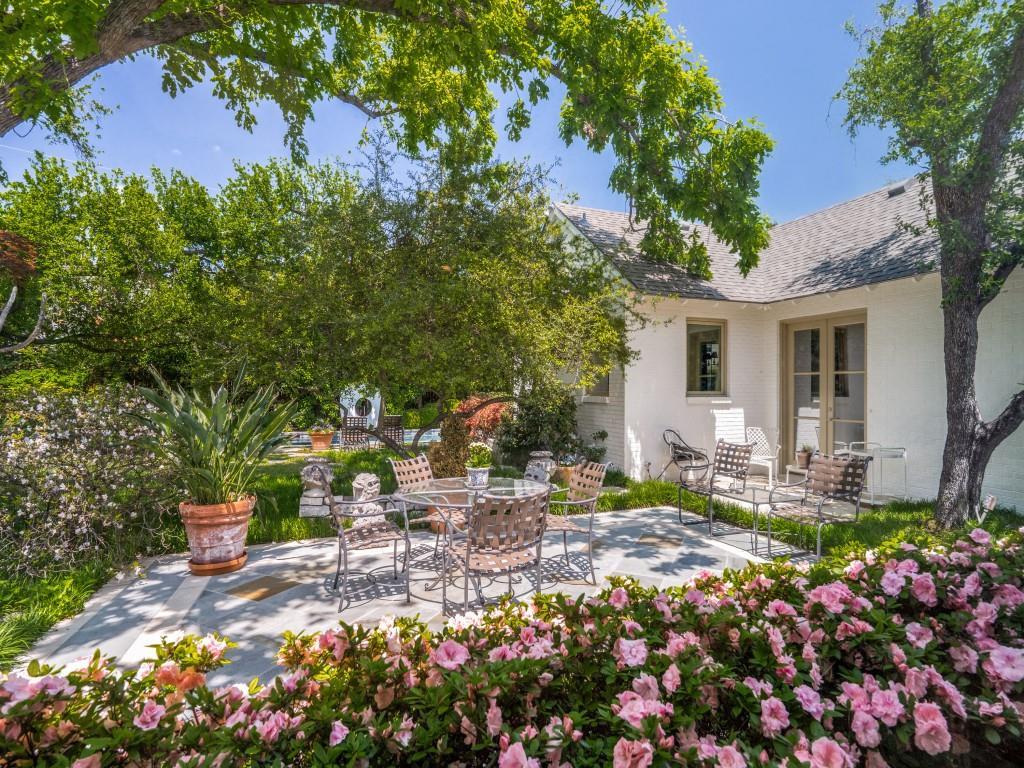 4407 Ridge  Road, Dallas, Texas 75229 - Acquisto Real Estate best frisco realtor Amy Gasperini 1031 exchange expert