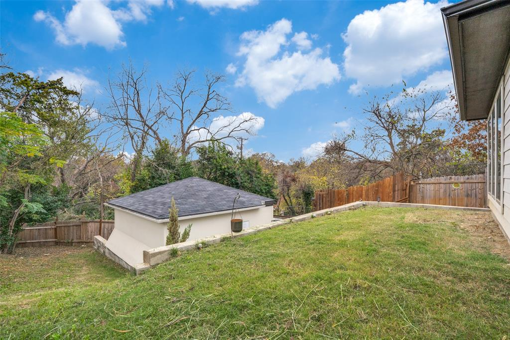 1503 Whitaker  Dallas, Texas 75216 - acquisto real estate best investor home specialist mike shepherd relocation expert