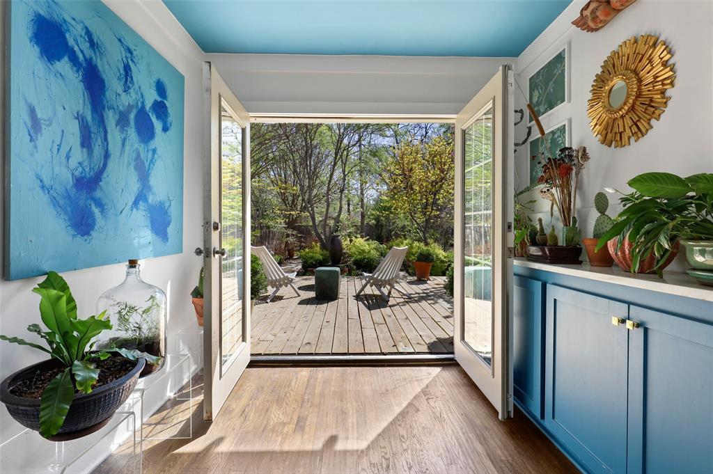 1510 Hampton  Road, Dallas, Texas 75208 - acquisto real estate best realtor dallas texas linda miller agent for cultural buyers