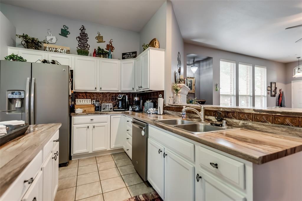 2612 Hilcroft  Avenue, Denton, Texas 76210 - acquisto real estate best realtor dallas texas linda miller agent for cultural buyers