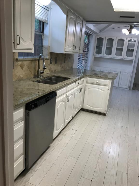 2209 Vickers  Drive, Plano, Texas 75075 - acquisto real estate best the colony realtor linda miller the bridges real estate