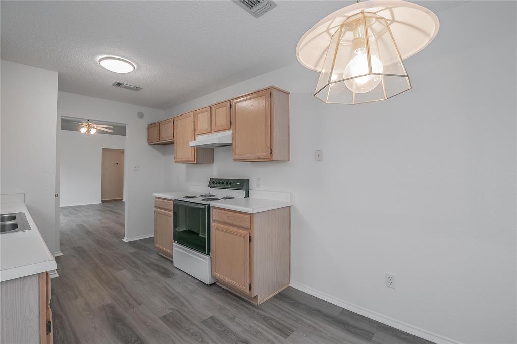 1605 Dorchester  Street, Fort Worth, Texas 76134 - acquisto real estate best luxury buyers agent in texas shana acquisto inheritance realtor