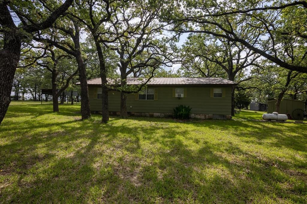 732 County Road 4797  Springtown, Texas 76082 - acquisto real estate best realtor foreclosure real estate mike shepeherd walnut grove realtor