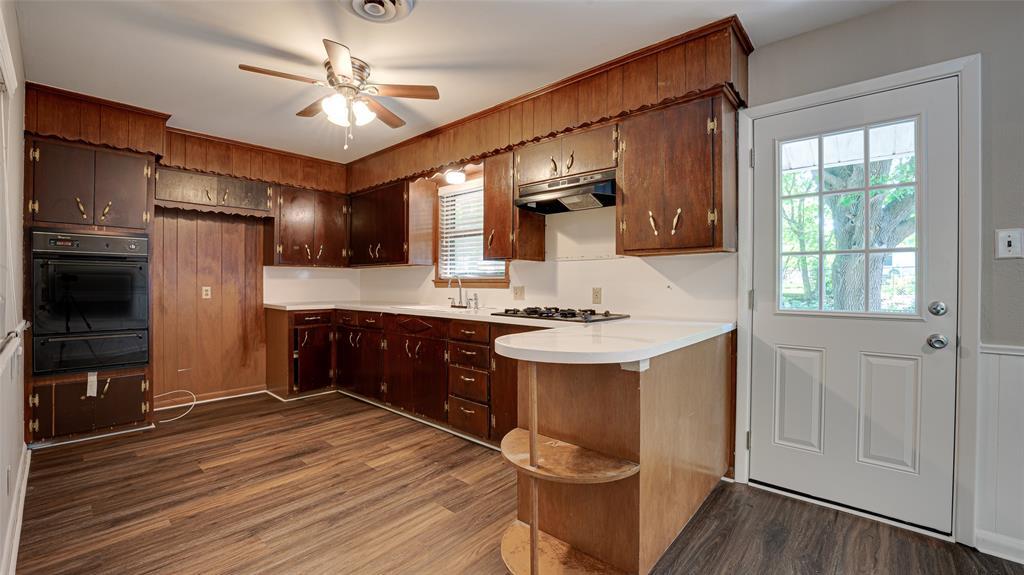 1508 Nichols  Street, Ennis, Texas 75119 - acquisto real estate best celina realtor logan lawrence best dressed realtor