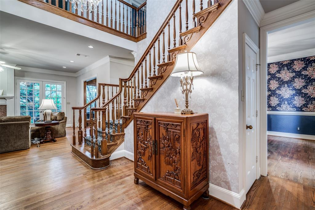 2209 Creekside  Circle, Irving, Texas 75063 - acquisto real estate best the colony realtor linda miller the bridges real estate