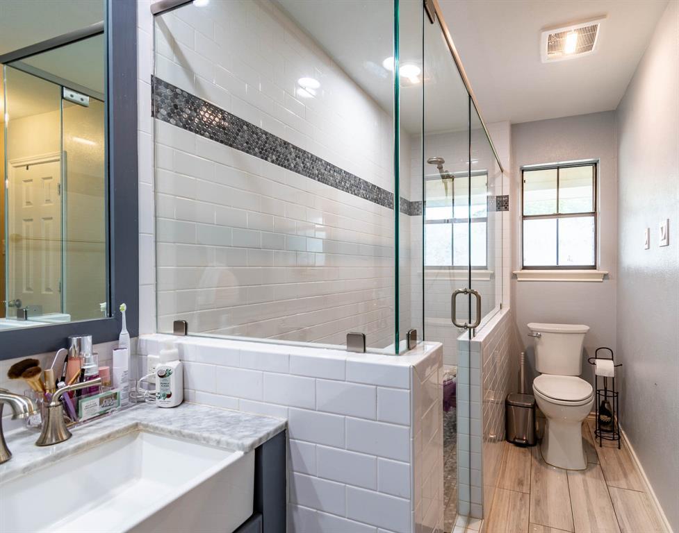 1949 Kentwood  Lane, Carrollton, Texas 75007 - acquisto real estate best realtor dfw jody daley liberty high school realtor
