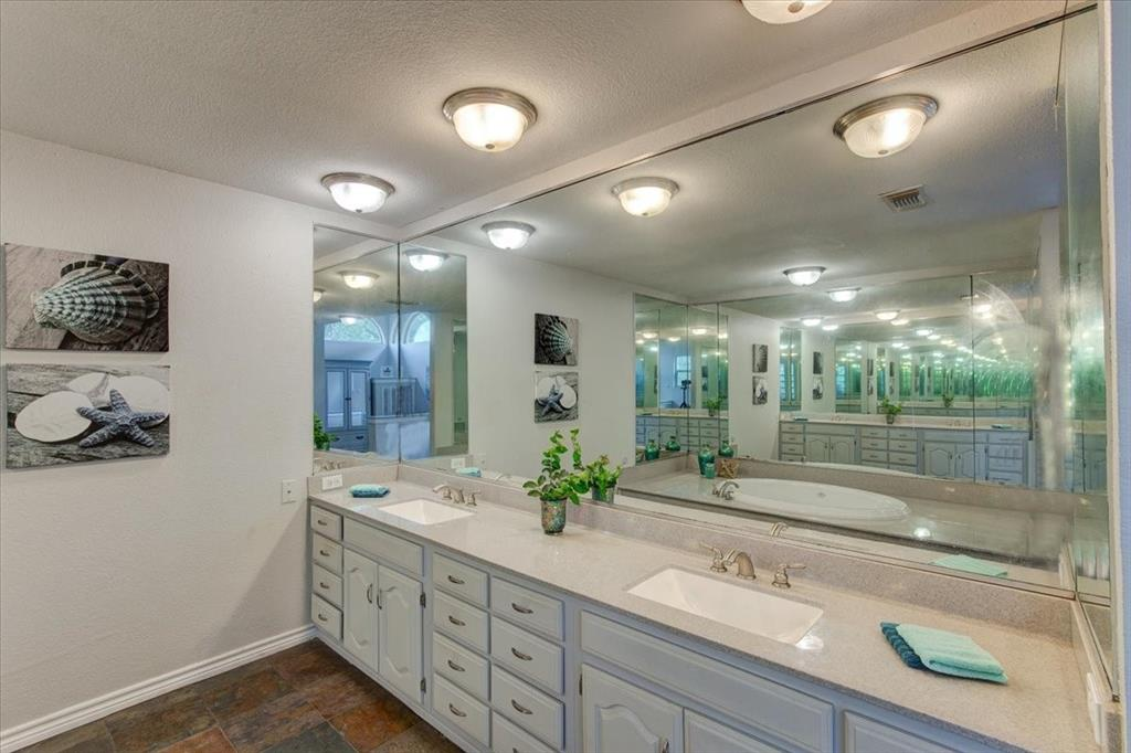 1112 Cooks  Lane, Fort Worth, Texas 76120 - acquisto real estaet best boutique real estate firm in texas for high net worth sellers