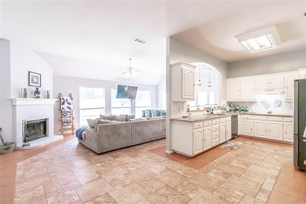 13632 Bates Aston  Road, Haslet, Texas 76052 - acquisto real estate best luxury buyers agent in texas shana acquisto inheritance realtor