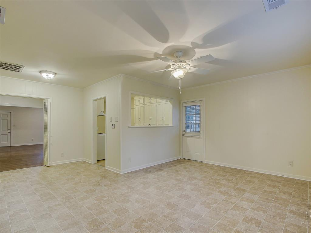 1009 Avenue F  Avenue, Garland, Texas 75040 - acquisto real estate best real estate company to work for