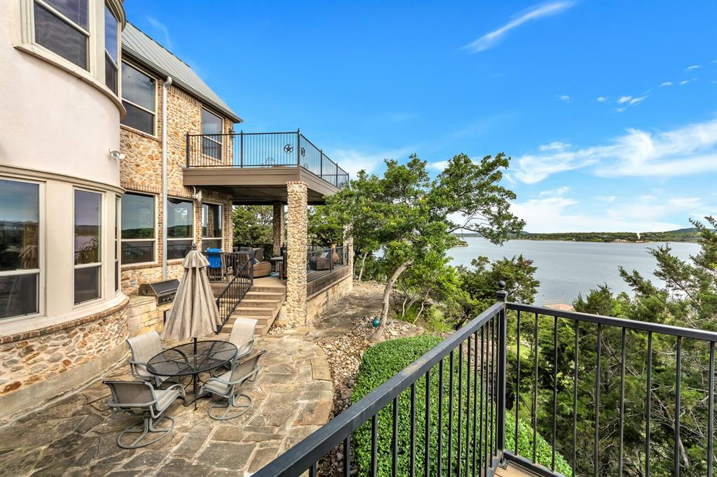 1056 Bluff Creek  Drive, Possum Kingdom Lake, Texas 76475 - acquisto real estate best realtor dfw jody daley liberty high school realtor