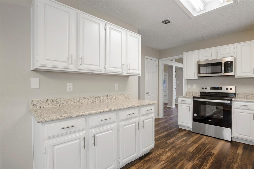 1030 Monarch  Drive, Lewisville, Texas 75067 - acquisto real estate best prosper realtor susan cancemi windfarms realtor