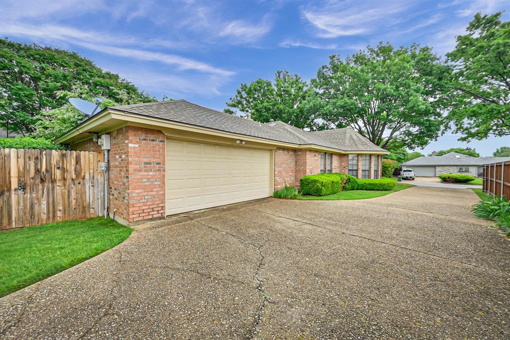 1209 Clubhouse  Drive, Mansfield, Texas 76063 - acquisto real estate best allen realtor kim miller hunters creek expert