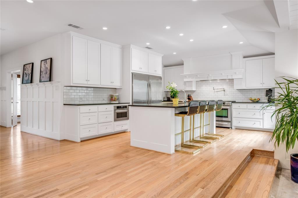 5004 Rexton  Lane, Dallas, Texas 75214 - acquisto real estate best highland park realtor amy gasperini fast real estate service