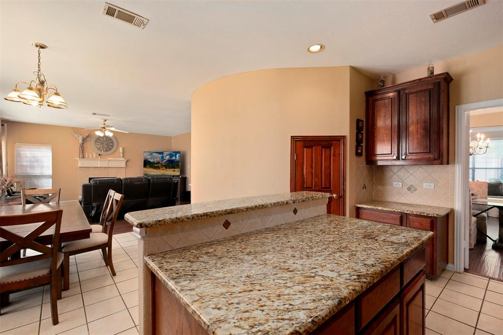 1226 Nocona  Drive, Irving, Texas 75063 - acquisto real estate best listing agent in the nation shana acquisto estate realtor