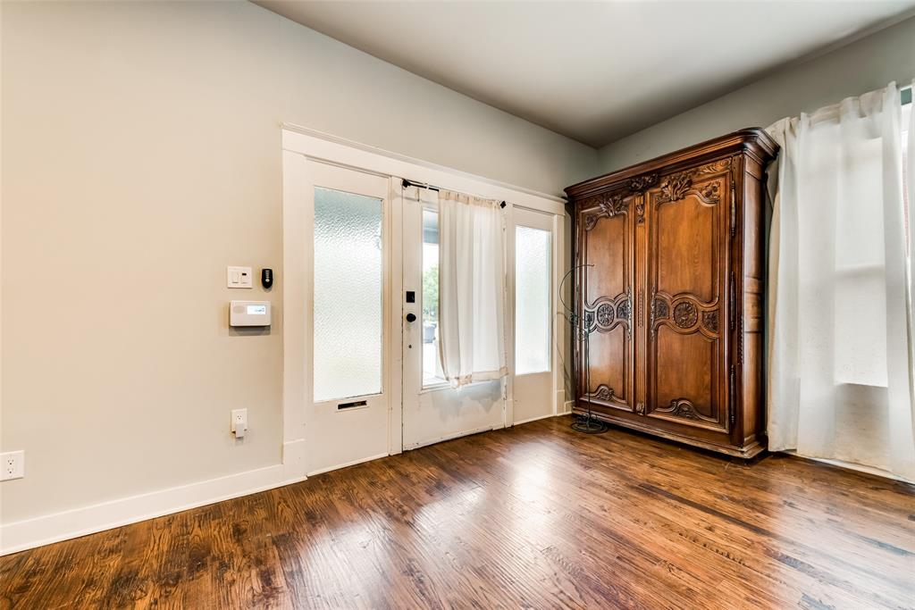 710 Bishop  Avenue, Dallas, Texas 75208 - acquisto real estate best prosper realtor susan cancemi windfarms realtor