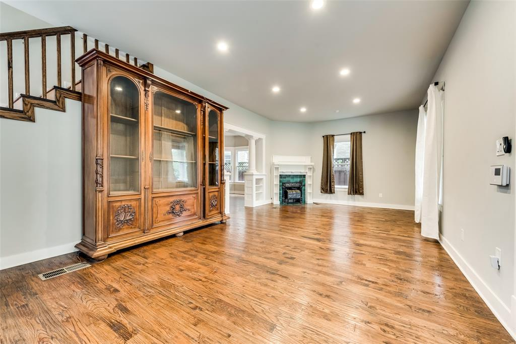 710 Bishop  Avenue, Dallas, Texas 75208 - acquisto real estate best celina realtor logan lawrence best dressed realtor