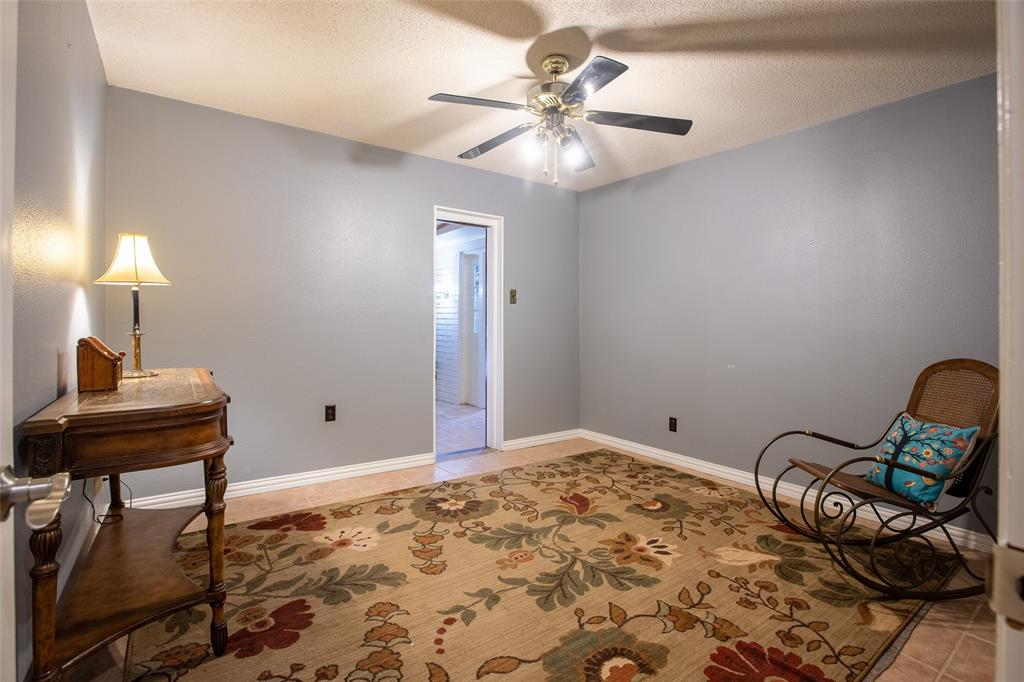 913 Circle  Lane, Bedford, Texas 76022 - acquisto real estate best realtor westlake susan cancemi kind realtor of the year