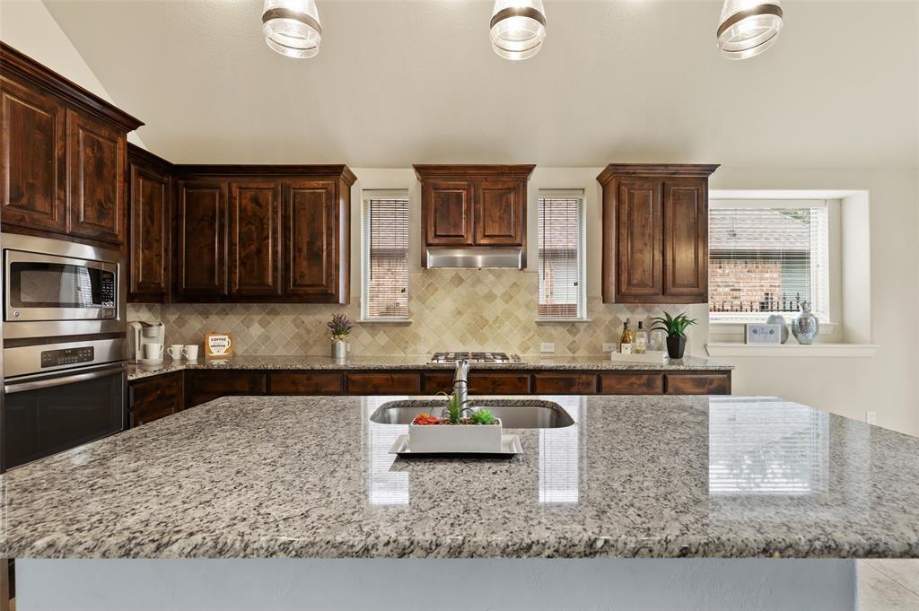 6729 Matador Ranch  Road, North Richland Hills, Texas 76182 - acquisto real estate best new home sales realtor linda miller executor real estate