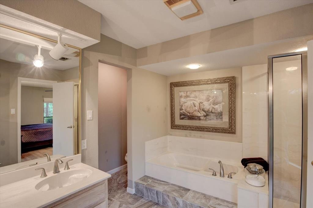 4315 Fairway  Drive, Granbury, Texas 76049 - acquisto real estate best frisco real estate agent amy gasperini panther creek realtor