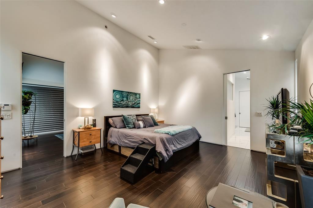 4711 Live Oak  Street, Dallas, Texas 75204 - acquisto real estate best park cities realtor kim miller best staging agent