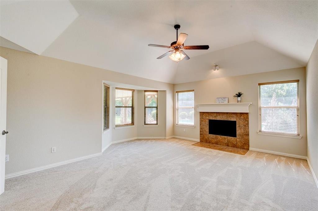 4407 Cluster Oak  Court, Granbury, Texas 76049 - acquisto real estate best negotiating realtor linda miller declutter realtor