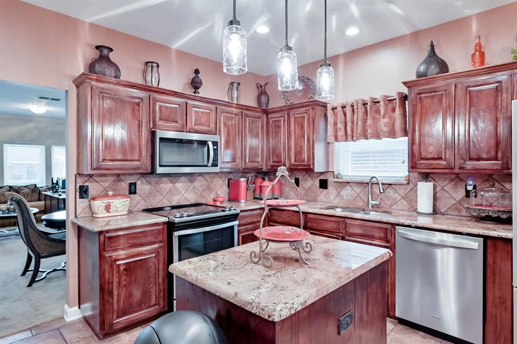 5707 Longhorn  Lane, Arlington, Texas 76017 - acquisto real estate best real estate company to work for
